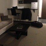 Foto de Embassy Hotel and Suites
