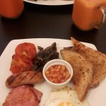 English breakfast, vegan english breakfast, two fruit smoothies