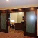 Photo de Staybridge Suites Longview