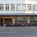 Restaurant outlay