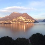 Levé du soleil ou jour de brume sur le lac ... Un spectacle splendide depuis le Victoria Hôtel