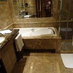 Big and nice bathroon with shower and bath tab. bi