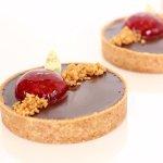 chocolate-raspberry-rooibos tart
