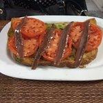 tosta de anchoas