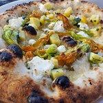 Fiore di Zucca pizza