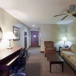 Quality Suites North / Galleria Foto