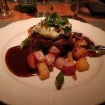 Herb gratinated fillet of beef