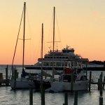 Foto di Captain's Landing Waterfront Inn