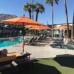 The Palm Springs Hotel resmi