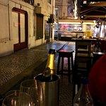 Foto de Bebedouro-Wine and food