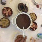 Espectacular comida como en casa, Julen acogió a unos Canarios en Bilbao como si fuéramos famili