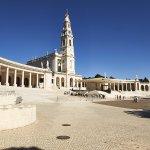 Columnata de acceso a la Basílica del Rosario