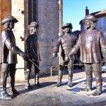 statue des 4 mousquetaires sur la place