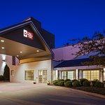 베스트 웨스턴 롱브랜치 호텔 앤드 컨벤션 센터의 사진