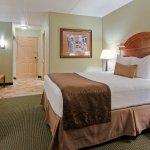 Photo de Best Western Plus Longbranch Hotel & Convention Center