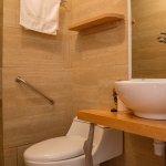 Interior baño habitaciones Casa Lenga