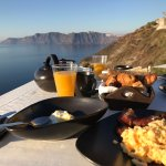 Breakfast overlooking Caldera