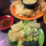 Guacamole & Con Queso Appetizers