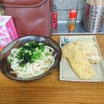 かけうどん(2玉)と天ぷら