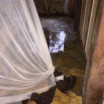 """Zimmer unter Wasser inkl. Kloake aus dem Badezimmer, laut Manager """"kein Problem"""""""