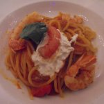 Spaghetti with raw red shrimps