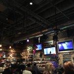 ภาพถ่ายของ Duke's Refresher + Bar