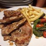 Lamb chops with garlic