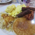 Complementary Breakfast, Saddleback Inn & Conference Center, Oklahoma City Oklahoma