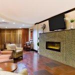 Photo de Holiday Inn Express & Suites Alpine Southeast