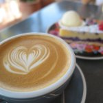 Flat White with cake