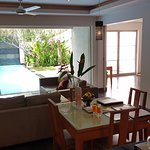 Wohnzimmer aus Küche fotografiert