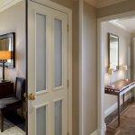 Landmark Suite Foyer
