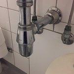 naja, gemütliches Badezimmer sieht anderst aus