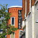 Louies Hanover Square