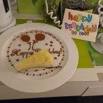 生日蛋糕和手畫卡片