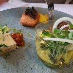 Klassisk frokostanretning: Anretning med sild, danske specialiteter og ost