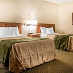Foto van Cherrywood Lodge - Econo Lodge Inn & Suites
