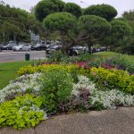 Jardim próximo ao Museu. Biarritz apresenta belos e bem cuidados jardins.