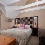 Standard room en-suite with shower only