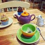 Cupcakes & tea