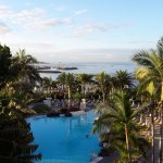 piscine et port: vue du balcon