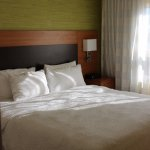 Photo de TownePlace Suites by Marriott Mississauga-Airport Corporate Centre
