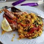 Paella mit Fisch + Fleisch