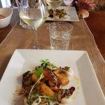 Noix de Saint-Jacques gratinées au beurre de truffe et ses petits panais