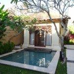 Petite piscine privée et villa #1