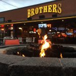 Photo de Brothers bar and grill