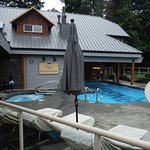 Kingfisher SPA Hottub and Pool