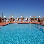 Photo de Holiday Inn Express Hotel & Suites Waller