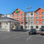 Photo of Holiday Inn Express & Suites Seaside-Convention Center