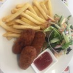 beef and potato croquettes, salad and fries.